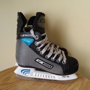 Nike Bauer Supreme Pro Junior kids Hockey Ice Skates size 10Y